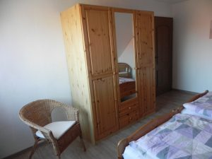 schlafzimmerschrank ferienwohnung sonja alternativ